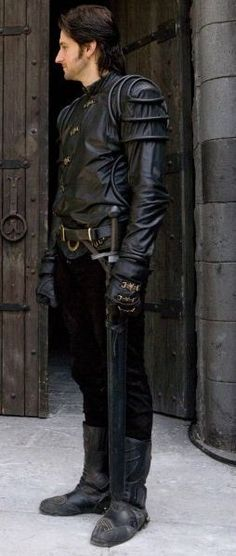 Richard Armitage plays Guy of Gisborne in BBC Robin Hood Richard Armitage, Most Beautiful Man, Gorgeous Men, Robin Hood Bbc, Being Human Uk, Leather Pants, Black Leather, Vicar Of Dibley, Best Actor