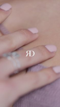 ° gold and natural diamonds. A ring which beautiful design moves like a dance in the wind. Kylie Jenner Beauty Room, Sexy Couples Art, Pirate Girl Tattoos, Sexy Love Quotes, New Cake, Cute Couple Videos, Recipe For 4, Recipe Ideas, Aesthetic Collage