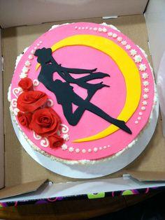 Ashita o shinjiteru! Sailor Moon Birthday, Sailor Moon Party, Sailor Moon Manga, Sailor Moon Cakes, Pretty Cakes, Cute Cakes, Going Away Cakes, Anime Cake, Mooncake