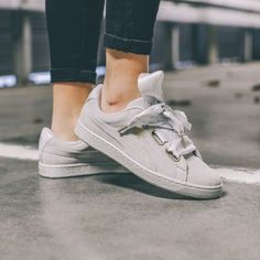 PUMA Low-Top PUMA suede heart Ribbon satin gray 6