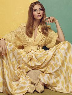 Chic Anni 70s' Glamour Germany March 2015 photographer: Hong Jang Hyun stylist: Karina Givargisoff Hair: Dennis Lanni Makeup: Moani Lee Manicure: Eri Handa Model: Iris Van Berne