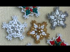 Beaded Christmas Ornaments, Christmas Snowflakes, Christmas Star, Felt Ornaments, Christmas Crafts, Homemade Christmas, Glass Ornaments, Beading Patterns Free, Beaded Rings
