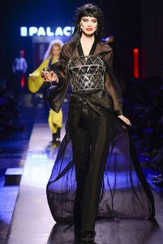 See the complete Jean Paul Gaultier Spring 2016 Couture collection.