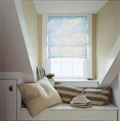 You can easily turn a map into a window shade. (Martha Stewart Living, August 2002) LOVE! Lofts, Map Fabric, Dormer Windows, Map Globe, Cozy Nook, Roman Shades, House Design, Design Design, Blinds