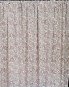 Con Loneta Barbados Beige, hechas por nuestra amiga @esteruki25   www.cukistore.es Barbados, Beige, Home Decor, Blinds, Photos, Interior Design, Home Interior Design, Ash Beige, Home Decoration
