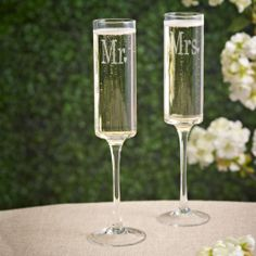 Mr. and Mrs. Contemporary Toasting Flutes (set of 2) | #exclusivelyweddings
