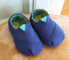 DIY Baby Shoes I could make those, easy