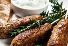 Ground Chicken Kofta Kebabs This is a light recipe that is awesome on the taste buds. It is very easy and quick to make and goes 10970 - Healthy Food Network Lamb Recipes, Greek Recipes, Light Recipes, Indian Food Recipes, Chicken Recipes, Ethnic Recipes, Turkey Recipes, Healthy Meats, Meat Recipes