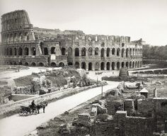 The Colosseum - Photo from 1904 Roman Architecture, Ancient Architecture, Ancient Rome, Ancient History, Old Pictures, Old Photos, Roman History, Vintage Italy, Roman Art
