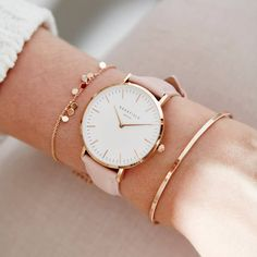 Yes please for rose gold details and the always sweet bowery in .- Ja bitte um roségoldene Details und die immer süße Bowery in Pink! 💕 Frei … Yes please for rose gold details and the always sweet bowery in pink! Trendy Watches, Cute Watches, Elegant Watches, Cheap Watches, Wrist Watches, Vintage Watches, Rolex Watches, Accesorios Casual, Cute Jewelry
