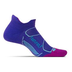 Treat your feet to the perfect blend of performance and comfort with the Feetures Elite Max Cushion socks