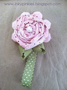 InkyPinkies: Twitterpated Fabric Flower Keychains
