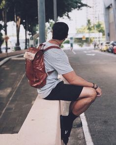 Fashion Menswear, Men Fashion, Vans Outfit Men, New Chic, Male Poses, China Travel, China Fashion, Hot Boys, Road Trips