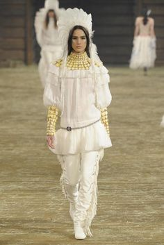 Chanel Pre-Fall 2014 - Wild West look!