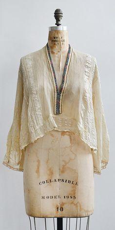 vintage 1920s pale cream silk folk top