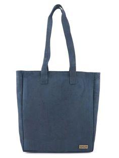 """Korktasche / Shoppingtasche """"Blue"""". Nachhaltig und fair, von CorkLane mit Trageriemen. Farbe: blau. Handgefertigt in Portugal. Faire Mode aus natürlichem Korkstoff. Damit du alles dabei hast unterwegs. Nachhaltige Tasche aus nachwachsendem Naturstoff. Mehr Korkprodukte: www.korkeria.ch #handtasche #nachhaltigemode #korkprodukte #kork #korktasche Madewell, Portugal, Reusable Tote Bags, Peta, Fashion, Vegan Products, Laptop Tote, Sustainable Fashion, Leather Bag"""