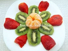 Dieta Rina Meniu Vitamine Ziua 28 -MIC DEJUN Rina Diet, Dalida, Fruit Salad, Mango, Recipies, Strawberry, Health Fitness, Low Carb, Vegetarian