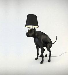 High design: Een poepende hond als lamp Goodboy.