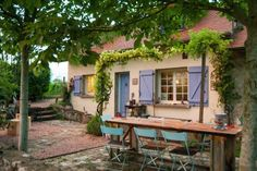 Natuurhuisje 26786 - vakantiehuis in Treteau France Travel, Bed And Breakfast, Great Places, Tiny House, Pergola, Camping, Outdoor Structures, Architecture, Outdoor Decor