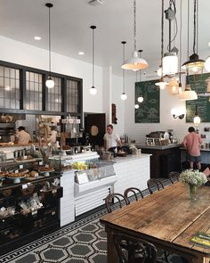 Today there are great deals of coffee shops. To ensure that there is a great deal of special as well as fascinating coffeehouse interior design. Below is an ideas for a cafe decor ideas that you can use if you want to open a coffeehouse.