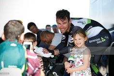 #VAlgarve17 Mark of TEAM DIMENSION DATA with fans after the 3rd stage (time-trial) of the cycling Tour of Algarve in Sagres, on February 17, 2017.