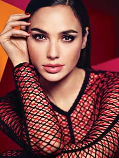 Hollywood hottie actress Gal Gadot beauty movie photos lovely style gorgeous wallpapers stunning looks wonder-woman images pics hd Beautiful Celebrities, Beautiful People, Beautiful Ladies, Gal Gadot Photos, Look Casual Chic, Gal Gardot, Gal Gadot Wonder Woman, Glamour Magazine, Woman Crush