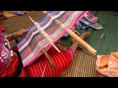 ▶ Traditional Hilltribe Weaving (Back Strap Loom), Chiang Mai - YouTube