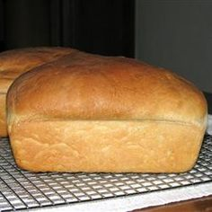 No Sodium Amish Bread - 103 calories per slice. I've used c of brown sugar. Not too sweet (some recipes call for c white sugar). Low Sodium Bread, No Sodium Foods, Low Sodium Diet, No Calorie Foods, Low Salt Recipes, Low Sodium Recipes, Low Calorie Recipes, Cooking Recipes, Diet Recipes