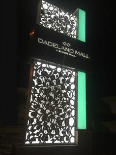 505Design Creates Signage for Dadeland Mall | SEGD