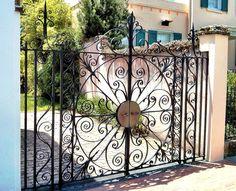 Curles in Gates