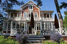 Hotel Villa Maija, Hanko, Finland Helsinki, Countryside, Buildings, Beautiful Places, Sweet Home, Villa, Art Deco, Cottage, Exterior