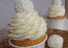 Vynikající vanilkové muffinky s neodolatelným kokosovým krémem z mascarpone. Creme Mascarpone, Cheesecake, Sandwiches, Sweet Recipes, Panna Cotta, Deserts, Good Food, Food And Drink, Favorite Recipes