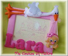 Marco cigüeña con bebé, Lara 1