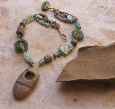 Collar tejido Coral y cristal antiguo fósil con Mescala antiguo y perlas de ópalo precioso