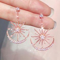 Ear Jewelry, Cute Jewelry, Jewelery, Jewelry Accessories, Jewelry Design, Pink Jewelry, Moon Jewelry, Fancy Jewellery, Stylish Jewelry