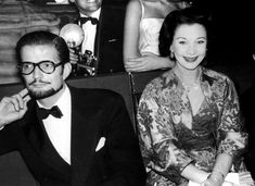 Vivien Leigh and Jack Merivale attend the ballet in Paris in 1960.