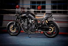it roCKS!bikes XJR1300 Stealth ~ Return of the Cafe Racers