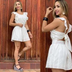 La imagen puede contener: 2 personas, personas de pie Chic Outfits, Dress Outfits, Summer Outfits, Short Niña, Cape Pattern, Open Back Dresses, Fashion Sewing, Asian Fashion, Spring Fashion