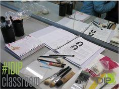 #IDIP #IDIPCLASSROOM #MAKEUP #CLASS #MAQUILLAJE #GLAMOUR #PROFESIONAL #TEORÍA #BELLEZA #BEAUTY