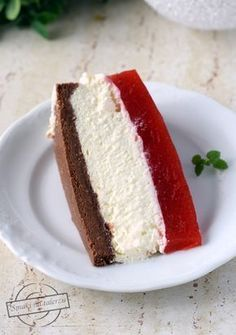 Cake with strawberry mass on the bottom with rusks and nutella - Flavors on the plate Cake Recipes, Dessert Recipes, Sweets Cake, Strawberry Cakes, Polish Recipes, Food Cakes, No Bake Cake, Vanilla Cake, Sweet Tooth
