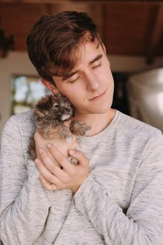 rare picture of connor franta with a dog and not a cat Youtubers, Connor Franta, Tyler Oakley, Portrait Inspiration, Fashion Inspiration, Dan And Phil, Beautiful Person, Celebs, Celebrities