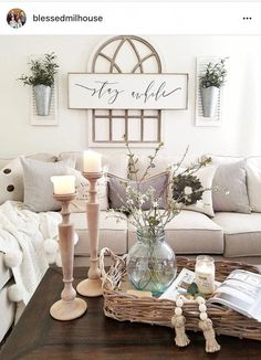 The rustic living room wall decor is indeed very eye-catching as well as lovely. Right here is a collection of rustic living room wall decor. Farmhouse Decor Living Room, Rustic Farmhouse Living Room, Rustic House, Living Room Wall, Living Decor, Room Design, Room Decor, Home Decor, Rustic Living Room