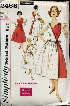 Vintage Sewing Pattern Simplicity 2466 by patternshop Simplicity Sewing Patterns, Vintage Sewing Patterns, Clothing Patterns, Clothing Styles, Moda Fashion, 1950s Fashion, Vintage Fashion, Vintage Mode, Style Vintage