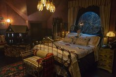 These Are The Top Easter Eggs Hidden In Netflix's 'Chilling Adventures Of Sabrina' Design Interior Bedroom My New Room, My Room, Home Interior, Interior Design, Design Design, Gothic Interior, Design Ideas, Design Inspiration, House Design