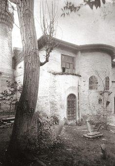 Bizans döneminde kiliseydi, 1483'de cami oldu ve artik yok: Balaban Ağa Mescidi (1903, #Laleli) #istanlook  #1903