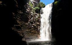 Cachoeira do Buracão, na Chapada Diamantina, é uma das muitas fotos de Valdemir Cunha feitas durante suas viagens pelo Brasil e pelo mundo. Foto: Valdemir Cunha/Brasil Natural