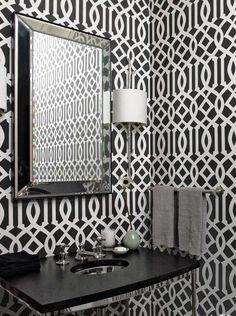 Praticidade e funcionalidade são características marcantes nos banheiros modernos.Se você gosta deste estilo confira nossas dicas para decorar ou reformar o seu banheiro no estilo moderno.
