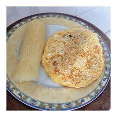 Pós-treino: aipim cozido  omelete de 1 ovo 1 clara frango desfiado e temperos (cebola tomate e cheiro-verde). ---------------------------------- #fitgirlsmotivation #befit #eatclean #eathealthy #healthy #nutrition #focus #foconadieta #workout #gym #motivação #inspiration #dieta #bodybuilder #fit #sixpack #fitness #lifestyle #nopainnogain #maispertoqueontem #diet #noexcuses #30tododia #projetocarolbuffara #projetoverao #firmeeforte #frangocombatatadoce #lowcarb #vidasaudavel by beinharmony