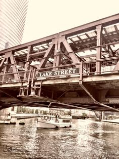 """Eventually, all things merge into one, and a river runs through it."" — Norman Maclean 🙏✨ ©BigDigitalArt#bigdigitalart#graphicdesign#graphicdesigner#designgrafico#graphicart#artdesign#GrafikDesign#conceptiongraphique#disenografico#digitaldesign#digitalart#pantone#cores#colors#imagepaper#artpaper#photoart#photodesign#instagram#naturephotography#photography#illinois#trees#chicago#chicagocity#riverwalk#river#winter#architecture#bridge"