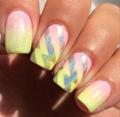 Pastel Gradient With Holo Lightning Bolt by Mllrdesign from Nail Art Gallery